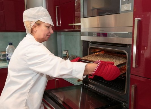 Checking a batch of crisp bread